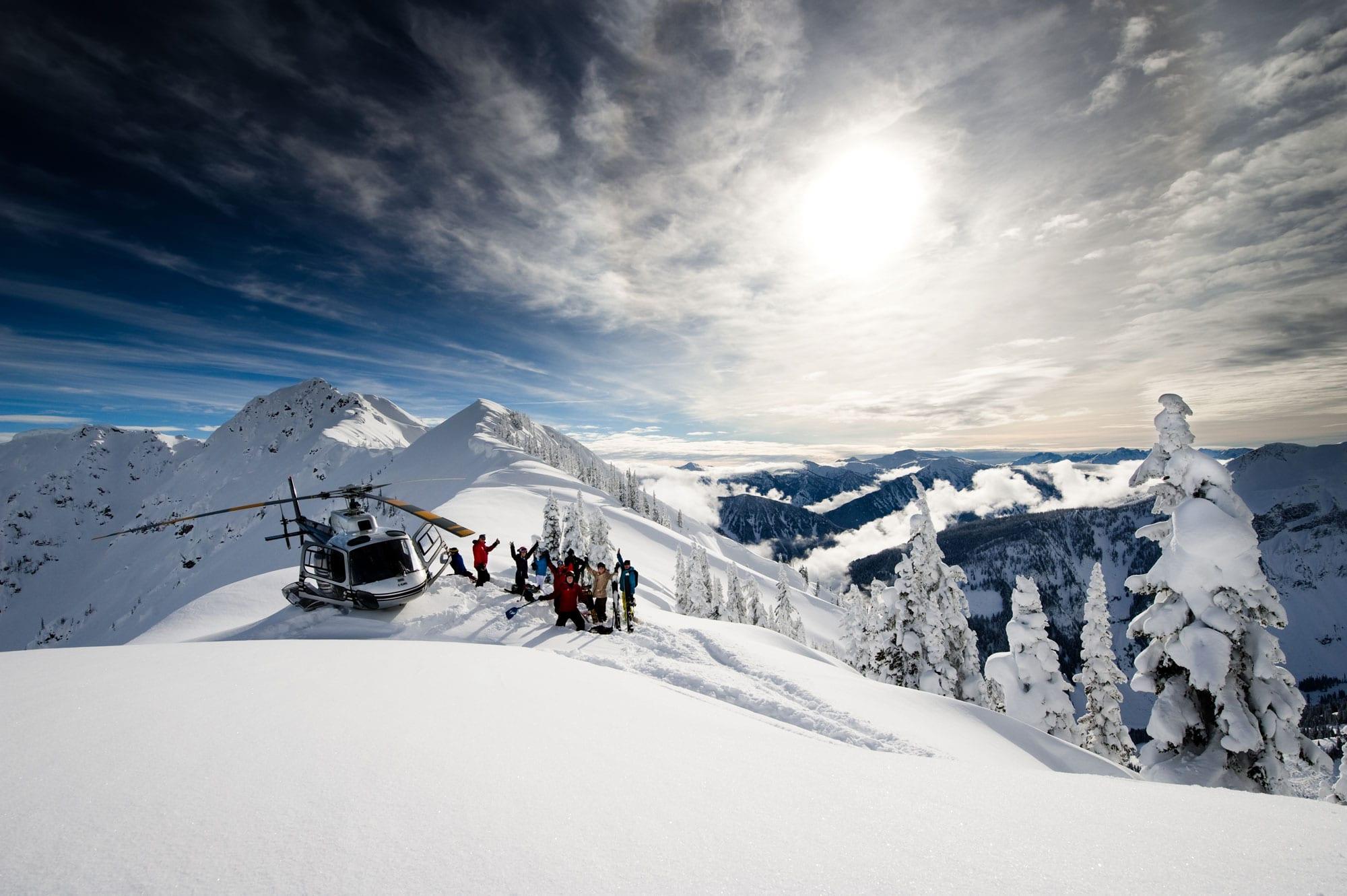 revelstoke-heli-skiing-winter