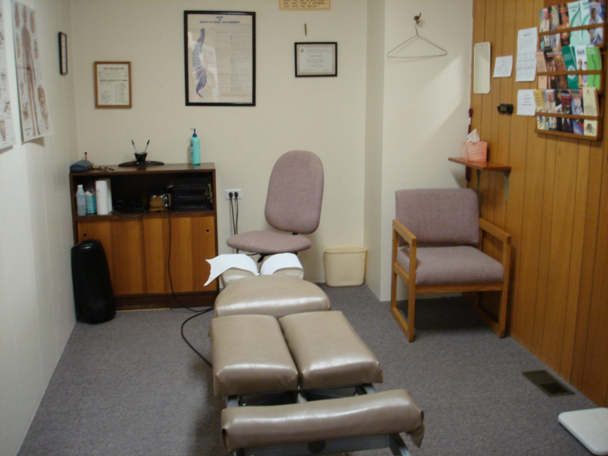 img_exam-treatment-room-007