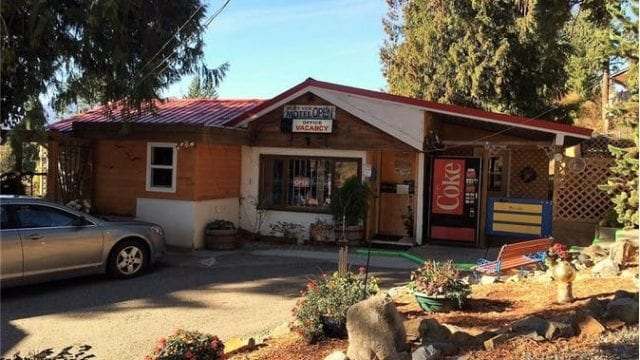 15 Unit Motel Living Quarters Shop is a business for sale in BC.