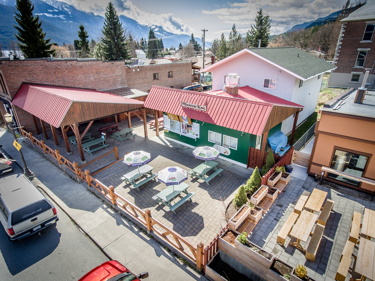 Mountain King Restaurant is a business for sale in BC.