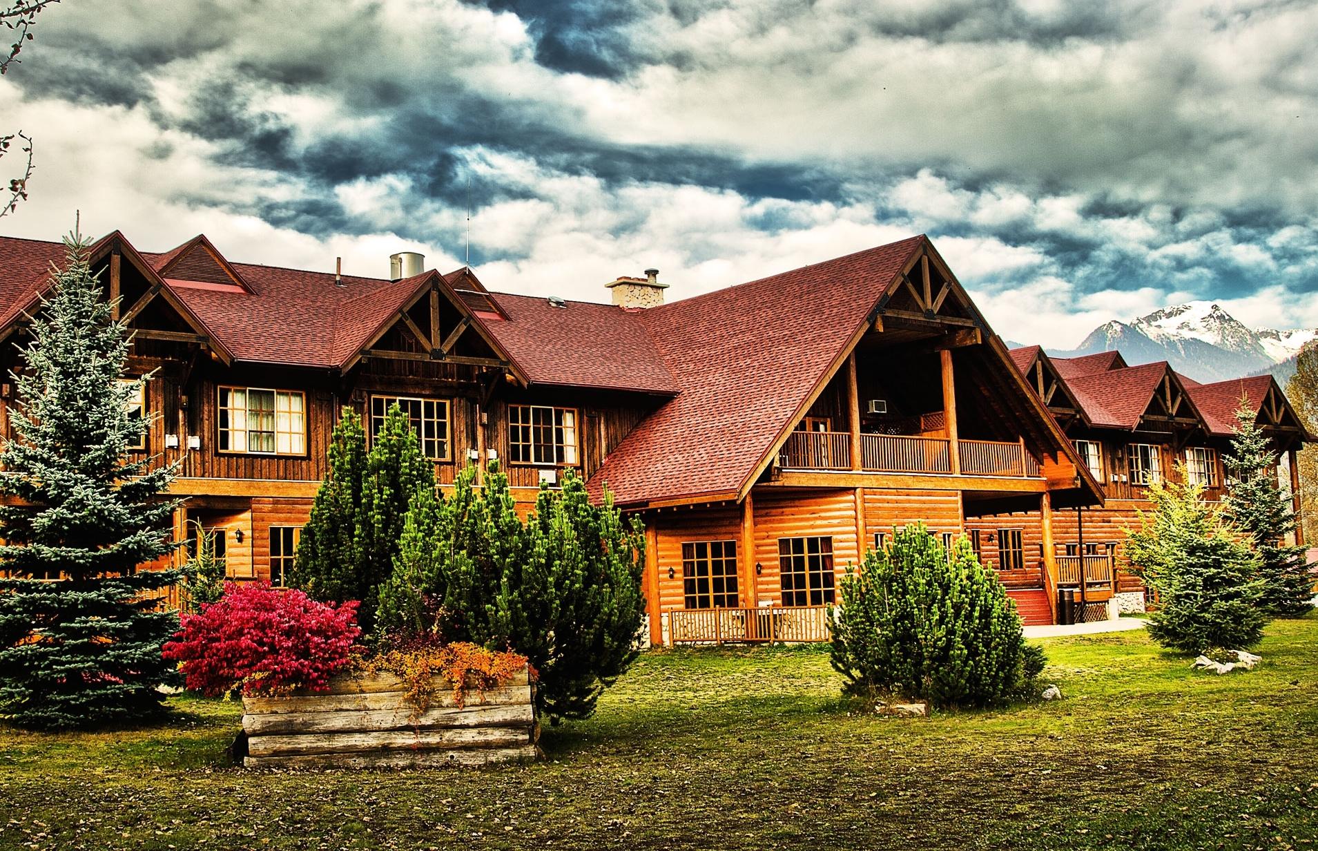 Revelstoke_Accommodation_Hotel_GlacierHouseResort (19)