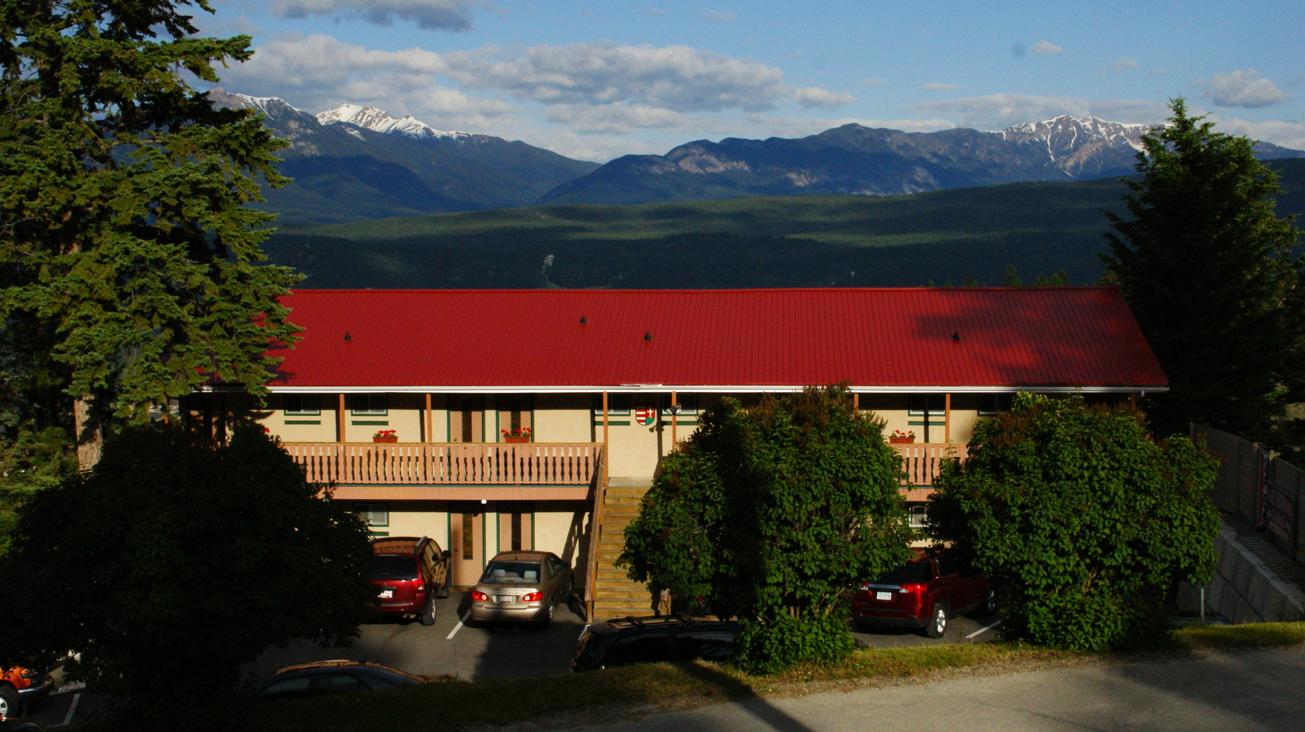 Motel Restaurant in Radium BC is a business for sale in BC.